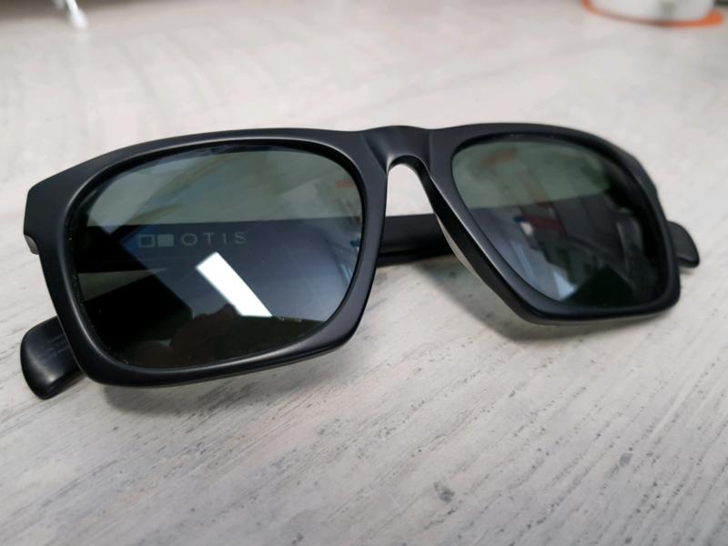 b66d5c33da2 Otis Dive Bar Polarised Sunglasses
