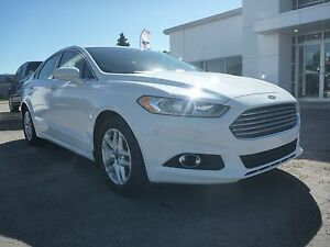 2014 Ford Fusion SE Leather, nav, sunroof, bluetooth