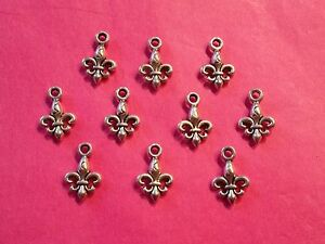 Tibetan Silver Fleur de Lys charm/Lily charms 10 per pack- scouting projects