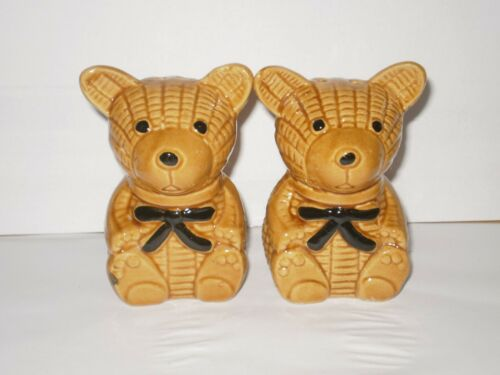 VINTAGE BROWN BEARS SALT N PEPPER SHAKERS 1980