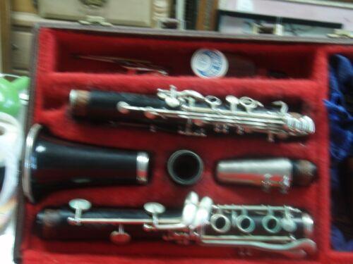 Excellent Leblanc Classic  Clarinet. s.n. 11222 with original case,./ 819