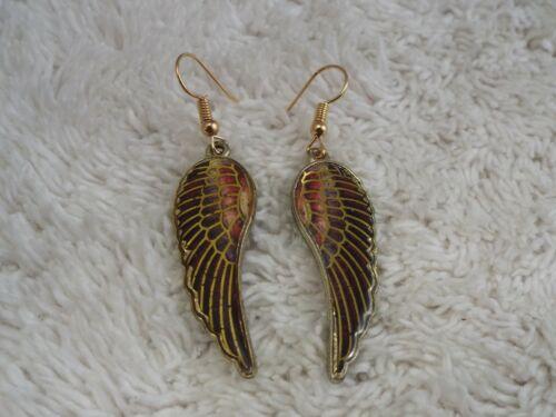 Goldtone Wing Pierced Earrings (F18)