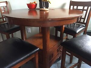 High top kitchen table and 4 chairs