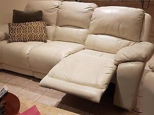Nick Scali white leather lounge recliner West Lakes Charles Sturt Area Preview