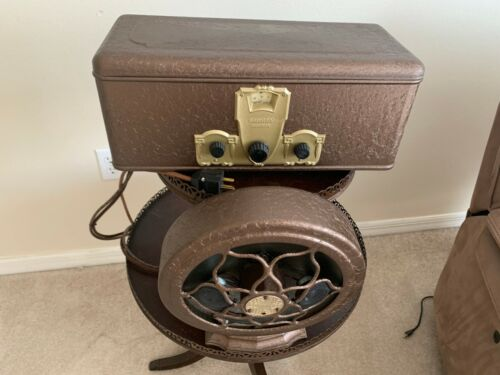 Antique Crosley 608 Gembox. Working, New Capacitors, Separate Bluetooth System