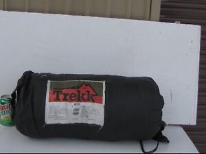 TREKK sleeping bag great condition clean from dry cleaner $40