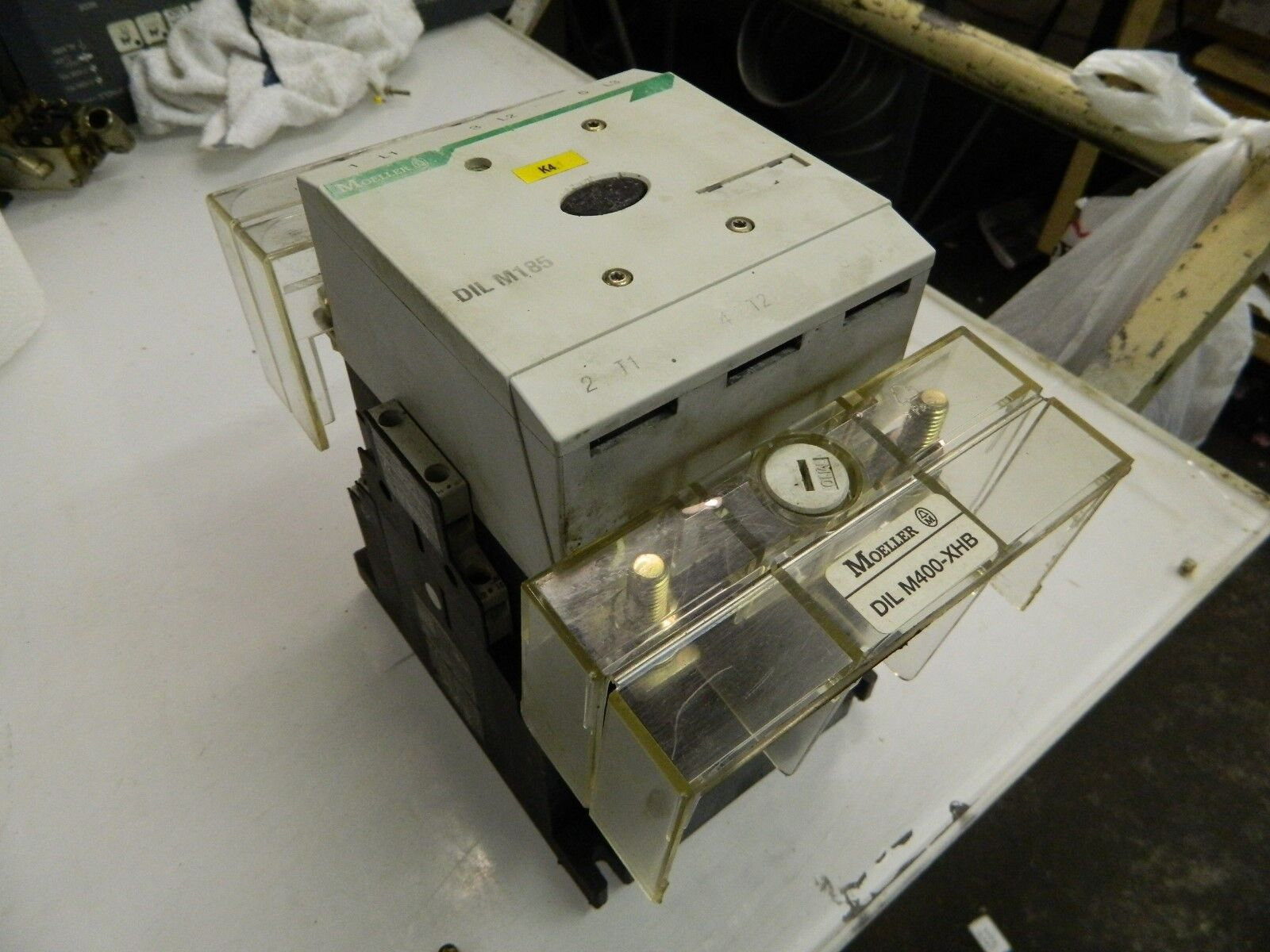 Klockner Moeller Contactor DIL M185 / DILM185, 110-250V Coil, 40-60 Hz/DC, Used