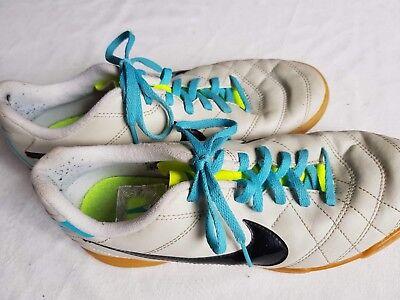 Herren Nike Tiempo Hallen Sport Fußball Schuhe weiß neon blau Gr. 38,5 Retro  segunda mano  Embacar hacia Argentina