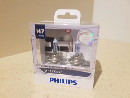 Brand new Phillips H7 headlights