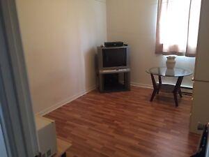 Belle chambre à louer dans un 5 1/2  à Joliette !!!