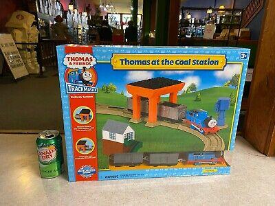 BIG Thomas & Friends NIP New Trackmaster Railway Train System AT COAL STATION