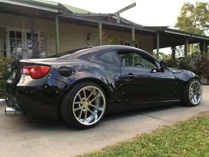 Last minute formal v8 Toyota 86 available