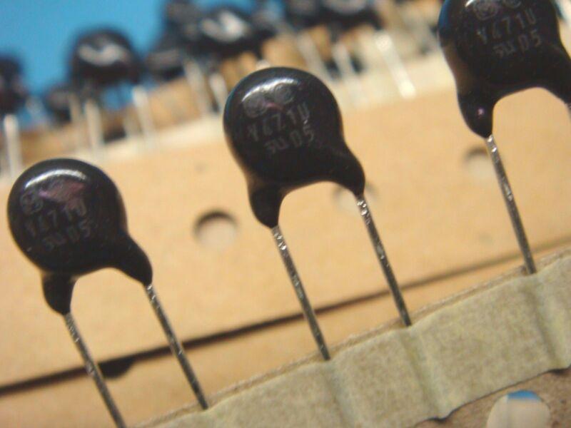 (50) PANASONIC ERZVA5D471 5D471 300VAC/385VDC 800A 470V 85° RADIAL VARISTOR