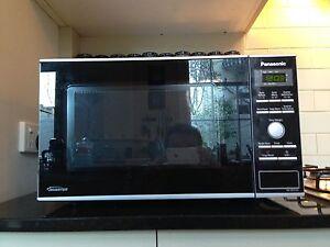 23L Microwave Panasonic (Inverter, 950W) Port Melbourne Port Phillip Preview