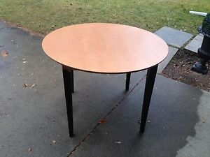 Wood Round table with black legs