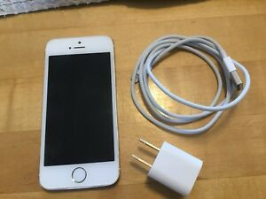 iPhone 5s/16g - UNLOCKED - GOLD/WHITE - MINT SHAPE!