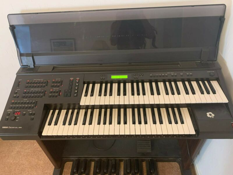 Yamaha Electone EL 25 Organ , Stool included.