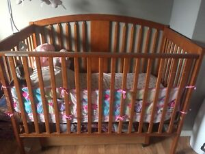 Crib (turns into toddler bed)