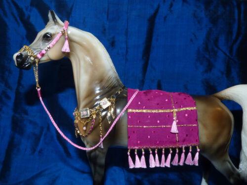 Arabian Presentation Jewelry Style Fuschia 1/9 scaleTraditional Breyer Stone