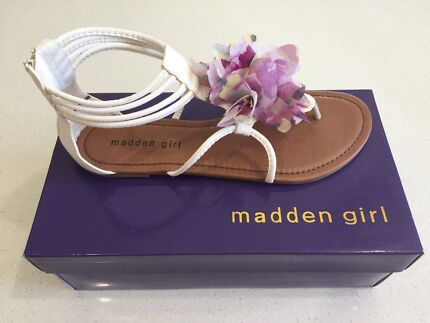 Madden - Ladies Sandals - NEW - Never worn - Perfect for Summer