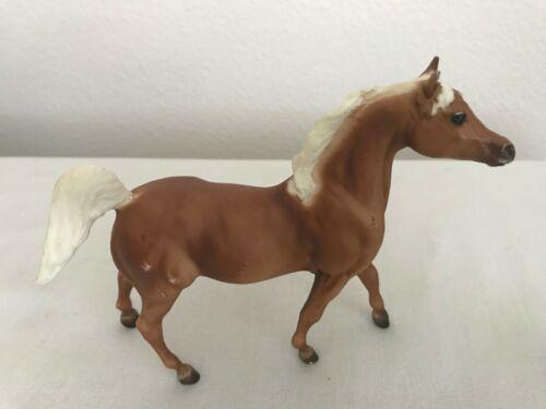 BREYER PADDOCK PALS HALF ARABIAN PALOMINO HORSE