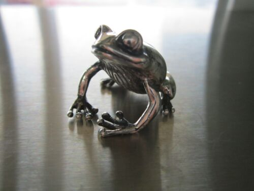 Darling Sterling Frog Figurine Signed DP and Fully Hallmarked