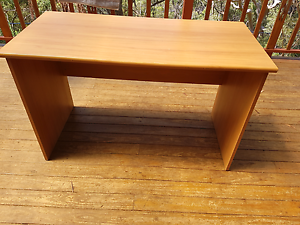 Free wooden desk Engadine Sutherland Area Preview