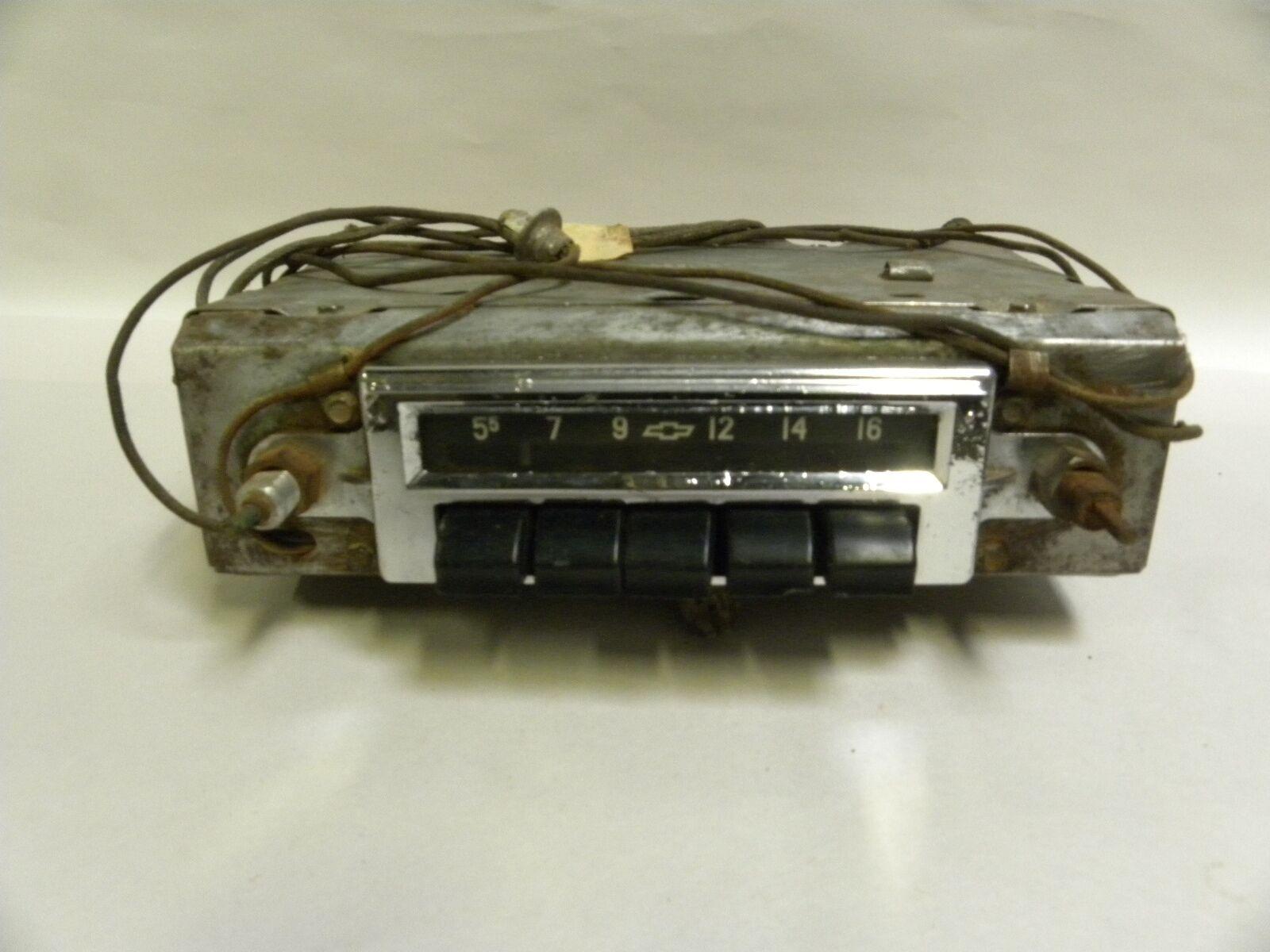 Vintage Chevy Chevrolet GM AM Car Auto Radio  (A10)