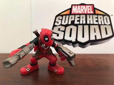 Marvel Super Hero Squad DEADPOOL Holding Two Guns Wave 20