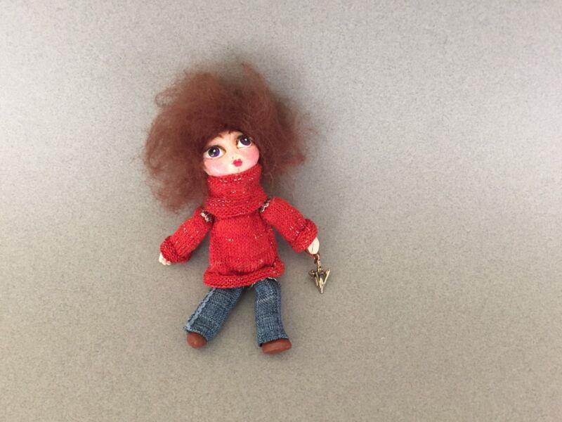 Little Girl and umbrella -brooch, Miniature doll, Tiny doll, Pins, Brooch