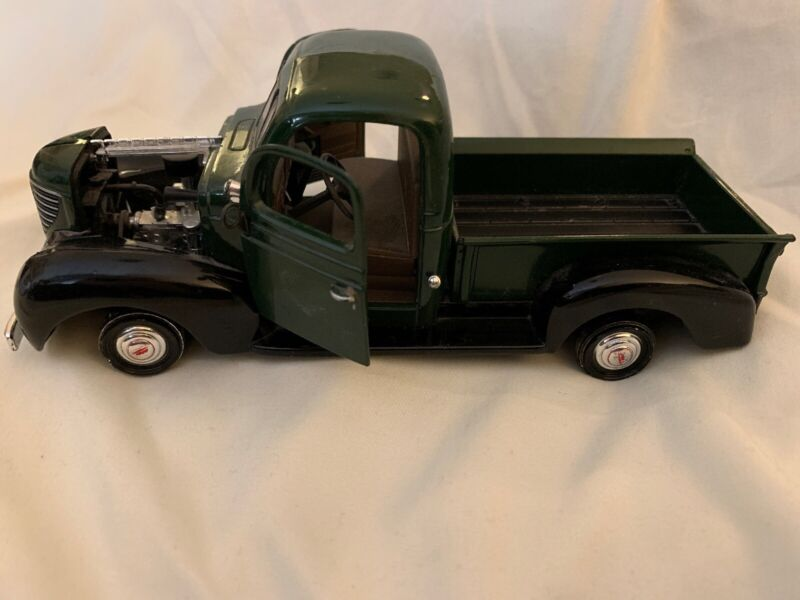 1941 Plymouth Truck Vintage Car Model