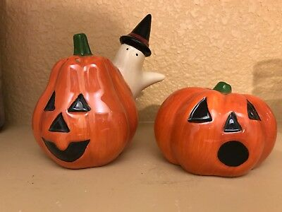 Debbie Mumm Halloween Haunted House Salt & Pepper Original Box (Debbie Mumm Halloween)
