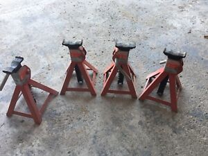 4 Axle Stands