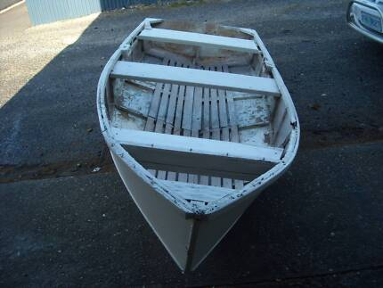 DINGHY USE FOR GARDEN SETTING Ulverstone Central Coast Preview