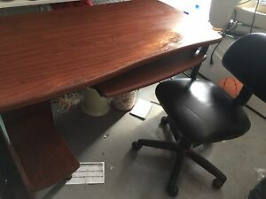 Office desk last chance  West Island Greater Montréal image 4