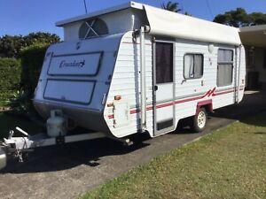 17ft (5.18 x 2.28m) 1998 Monarch Crusader pop- top Caravan