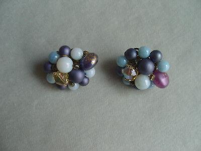 Sehr hübsche 50er Jahre signierte handgefertigte Ohrringe-Ohrclips faux Perlen  (50er Jahre Ohrringe)