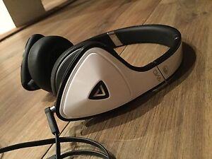 Monster DNA headphones LIKE NEW