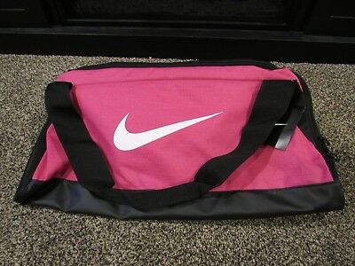 NIKE BRASILIA DUFFEL   SPORTS   GYM BAG Small Size - BA5335 616 - Pink    Black b40967dcfe75c