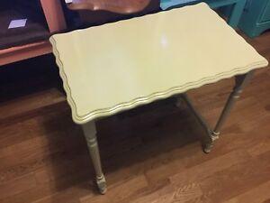 Light yellow/ green single nesting table