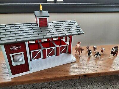Used Vintage Breyer Stablemate 3 Stall Horse Barn plus 7 horses