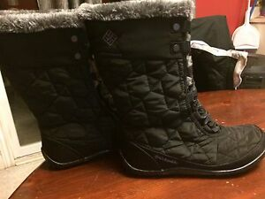WOMANS COLUMBIA WINTET BOOTS