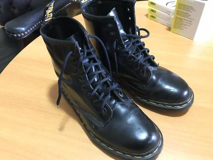 Doc Martens Original 8 hole  Air Wair