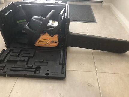 Mcculloch Petrol Chainsaw 31cc 45cm bar