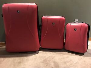 HEY 3 piece fuscia luggage set