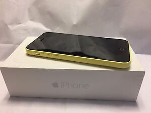 16GB IPhone 5C -  Bell / Virgin Mobile (Yellow)