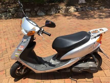 Yamaha Jog Scooter CV 50 Moped