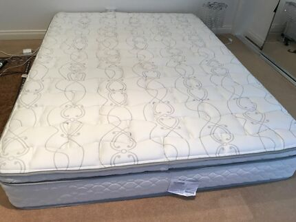 Queen beds we have tow each one for $700