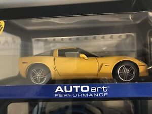 1/18 DIECAST 2005 CHEVY CORVETTE Z06 YELLOW COUPE MINT IN BOX