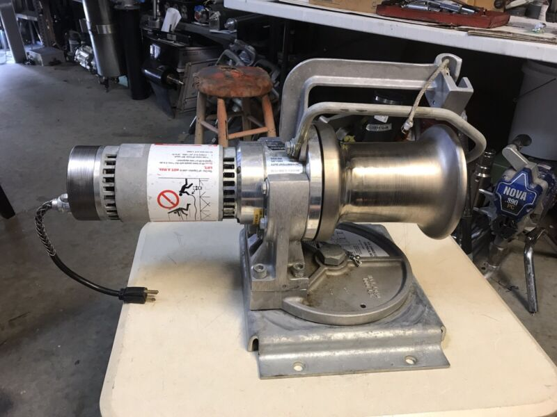 A B CHANCE Model C 308-1170  1,000LB Capstan Hoist With Swivel Plate